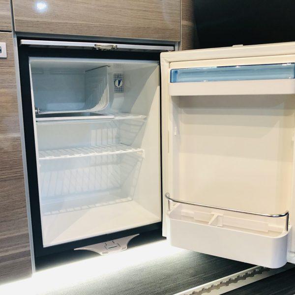 Kühlschrank mit Eisfach.